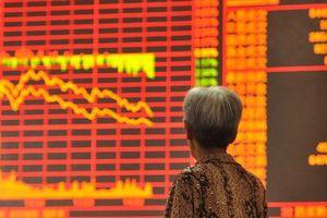 Mất 3 nghìn tỷ USD vốn hóa trong 6 tháng, chứng khoán Trung Quốc tiếp tục giảm