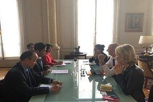 Bộ trưởng Trần Tuấn Anh làm việc tại Pháp