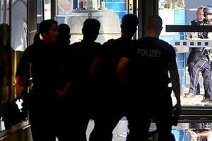 Bắt cóc con tin tại Đức, Cảnh sát phong tỏa Nhà ga Cologne