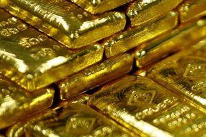 Bắt giữ 1 nam giới Malaysia ở sân bay khi mang 7 thỏi vàng trong người
