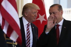 Tiết lộ sốc: Trump từng tính rút hết nhân viên ngoại giao khỏi Thổ Nhĩ Kỳ