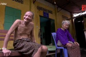 Xót xa mẹ hơn 90 tuổi nuôi con trai 74 tuổi mắc tâm thần