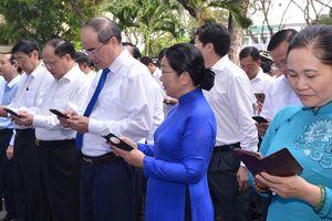 Lãnh đạo TP Hồ Chí Minh nhắn tin ủng hộ người nghèo