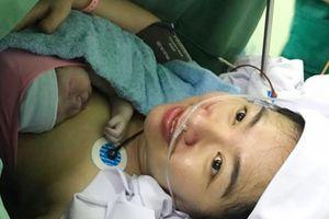 Lê Khánh hạnh phúc sinh con trai đầu lòng ở tuổi 37