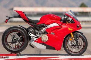 Ducati Panigale V4 S 2018 ẵm giải 'Xe máy của năm 2018', giá gần 1 tỷ đồng