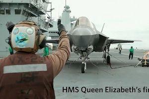 Phi công Anh thực hiện cú 'hạ cánh xoay' lịch sử với F-35