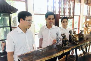 Trưng bày tư liệu 'Nghê - Linh vật Việt'