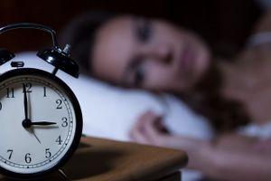 Nếu khó ngủ, hãy chú ý thức ăn và giờ ăn tối!