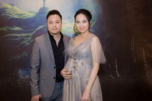 Đinh Ngọc Diệp 'vác' bầu 9 tháng dự ra mắt phim của chồng