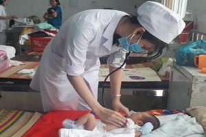 Thay máu toàn phần, kịp thời cứu sống bệnh nhi 3 ngày tuổi