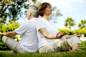 4 tác dụng không ngờ của yoga tới sức khỏe người cao tuổi