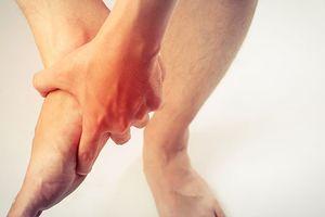 Tinh dầu giúp giảm những cơn đau do bệnh gout gây ra