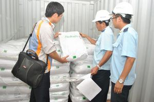 Ngăn chặn phân bón nhập khẩu không đạt chất lượng ngay từ cửa khẩu