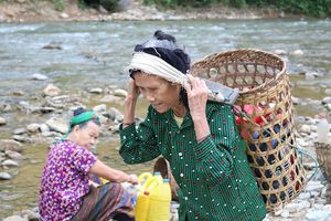 Bể dự trữ bỏ hoang, dân ra khe suối lấy nước sinh hoạt