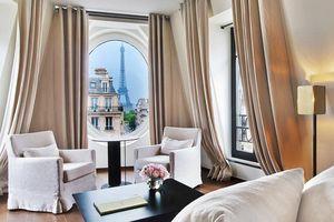 Căn phòng có view tháp Eiffel 'nổi như cồn' mấy ngày qua hóa ra lại có giá đắt như vậy, khách muốn thuê phải xếp hàng dài chờ cả tháng