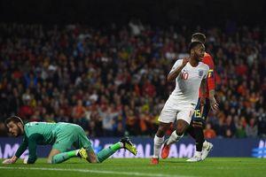 Vì sao Sterling bất ngờ 'lột xác' sau kỳ World Cup tệ hại?
