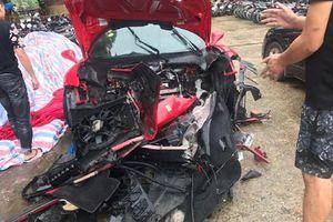 Siêu xe Ferrari của ca sĩ Tuấn Hưng gặp nạn trên cao tốc, toàn bộ phần đầu xe vỡ nát