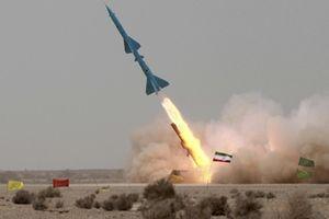 Iran bỗng công bố tên lửa mới giúp Syria bách chiến bách thắng