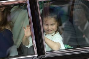 Công chúa Charlotte và Hoàng tử George đáng yêu ở đám cưới Hoàng gia