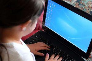 Cảnh báo sức khỏe học sinh 'nghiền' máy tính giống như nghiện đồ ăn vặt