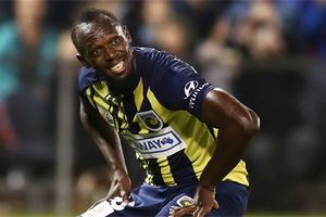 Usain Bolt bị kiểm tra doping ngay sau khi lập cú đúp