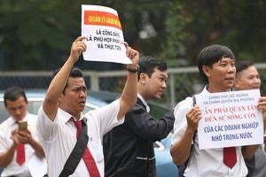 Hàng trăm tài xế nghỉ việc đến vụ xử Vinasun đòi Grab bồi thường 41 tỷ