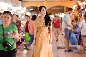 Huỳnh Vy chọn cách giới thiệu về TPHCM ra quốc tế không giống các người đẹp khác