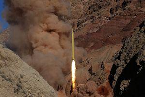 Cảnh báo Mỹ, Iran nói có tên lửa diệt mọi chiến hạm từ 700km