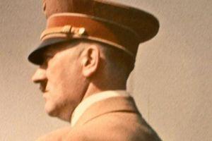 CIA tiết lộ sốc về đời sống tình dục của trùm phát xít Hitler