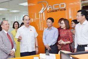 Gặp Bí thư Thành ủy TPHCM Nguyễn Thiện Nhân, doanh nghiệp 'than' về thủ tục hành chính