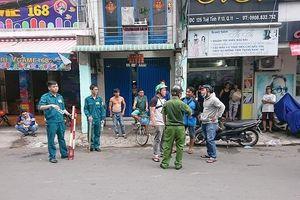 Khống chế đối tượng nghi cướp giật, cố thủ trong tiệm game bắn cá