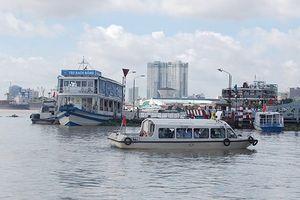 Tổ chức du lịch đường sông nội đô kết hợp phục vụ ẩm thực về đêm tại Bến Bạch Đằng