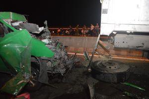 Tai nạn giao thông thảm khốc trên cầu Cần Thơ, 3 người chết