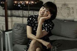 Hình ảnh mới của Song Hye Kyo ở Cuba: Tóc ngắn mặt mộc trẻ trung