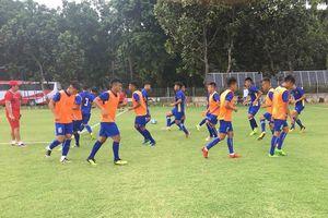 U19 Việt Nam tập sân xấu, ông Tuấn 'con' đau đầu chốt danh sách