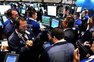 Dow Jones tăng vọt 550 điểm nhờ lợi nhuận doanh nghiệp Mỹ lạc quan