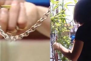 Hít hơn 80 quả bóng cười liên tiếp, nữ sinh Hà Nội phát rồ bị bố xích tay chân