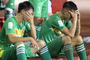 Nhiều cầu thủ Cần Thơ sợ bị 'xù' tiền lương, lót tay