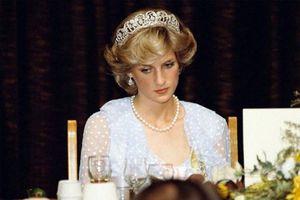 Căn bệnh kỳ lạ khiến công nương Diana luôn sống trong bất an