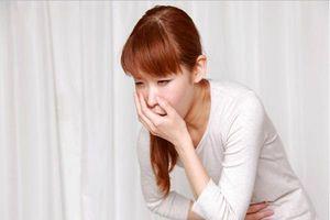 Nên làm gì khi bị ngộ độc thức ăn nhẹ?