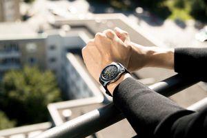 Bản cập nhật phần mềm Samsung Galaxy Watch mới cải thiện sạc pin, phát nhạc
