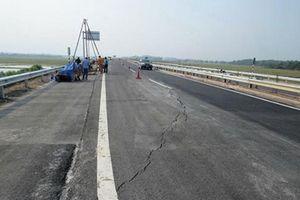 Không chỉ cao tốc 34.000 tỷ Đà Nẵng-Quảng Ngãi vừa thông xe đã hỏng