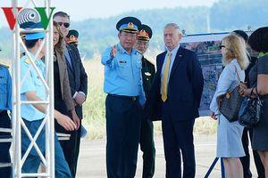 Bộ trưởng Quốc phòng Hoa Kỳ thăm khu xử lý dioxin sân bay Biên Hòa