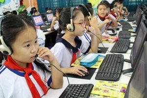 Tiếng Anh liên kết: Trường hưởng chiết khấu, trung tâm lo 'rút tiền'