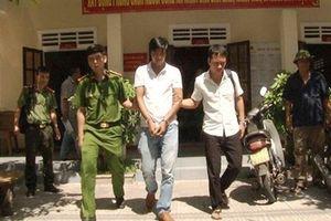 Bắt giữ đối tượng liên tiếp đâm 2 người nhập viện