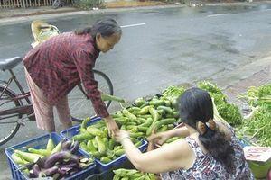 Quầy rau củ miễn phí ở Sa Đéc: Sự sẻ chia ý nghĩa với người nghèo