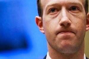 Cổ đông Facebook 'âm mưu' lật đổ Mark Zuckerberg