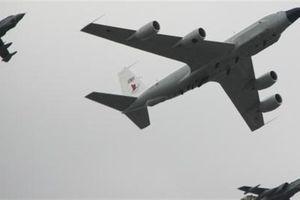 Máy bay tác chiến điện tử thử phản ứng S-300 Syria