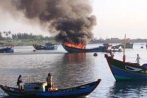Tàu cá phát nổ trên biển, một ngư dân tử vong