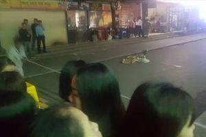 Hà Nội: Hoảng hốt phát hiện bé sơ sinh tử vong vì rơi từ chung cư Linh Đàm xuống đất